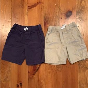 Carter's set of two shorts for boys 4T